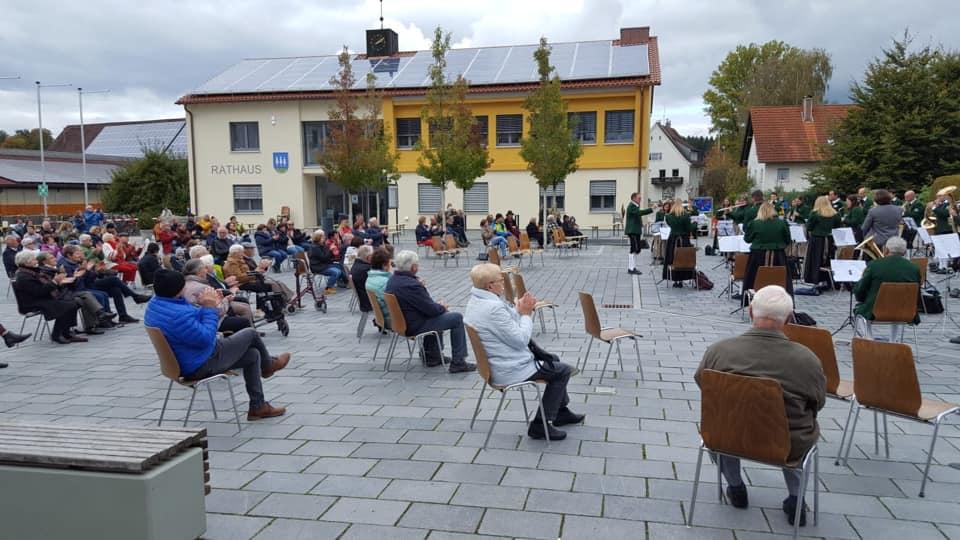 Platzkonzert auf dem Rathausplatz